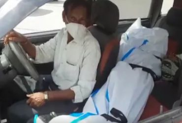 father carry daughter dead body (2)